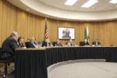 Washougal Mayor Sean Guard vetoes council members' vote on fireworks ban