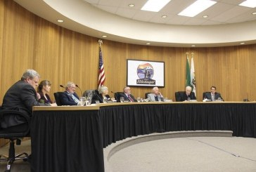 Washougal Mayor Sean Guard vetoes council members' vote on fireworks ban