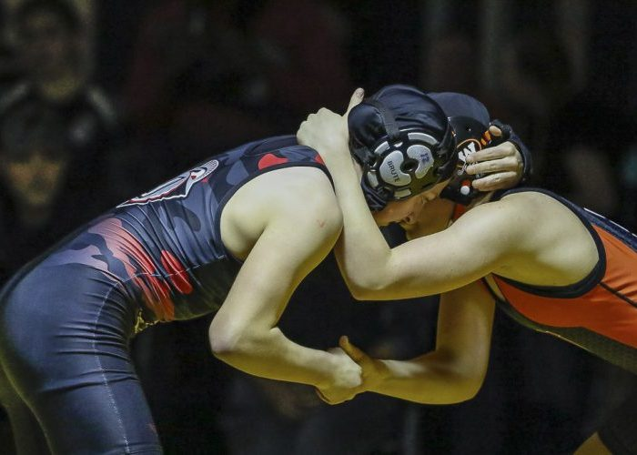 Riley Aamold of Union defeated Jaden Robb of Washougal