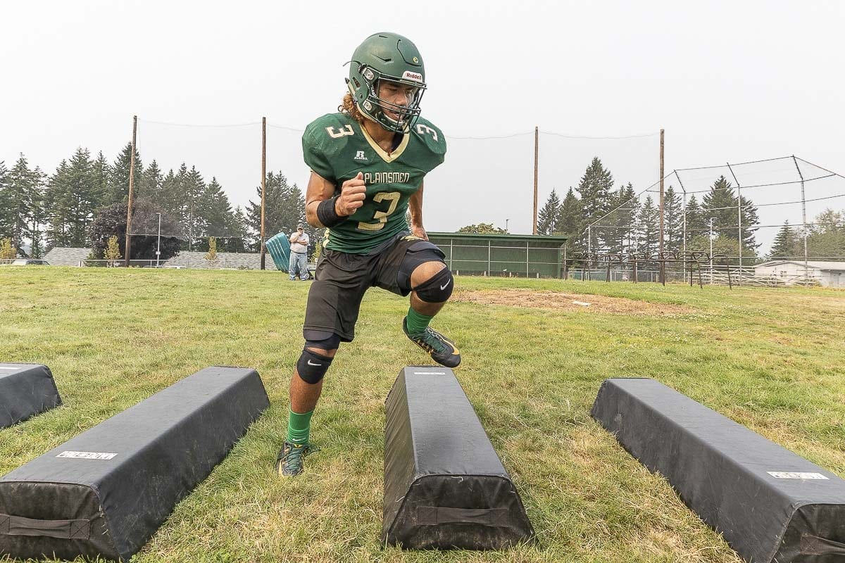 Senior Eli Vall-leiataua is one of Evergreen's key returning players this season. Photo by Mike Schultz