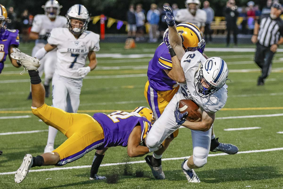 Skyview receiver Gavin Baskette (21) caught six passes for 108 yards and a touchdown as the Storm defeated Columbia River Friday. Photo by Mike Schultz