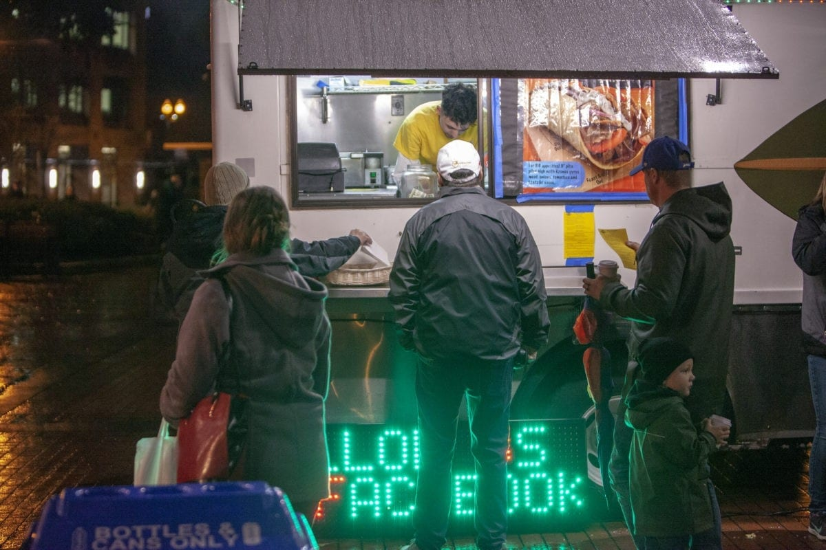 One of several food trucks, sells gyros during the Vancouver tree lighting on the evening of Black Friday. Photo by Jacob Granneman