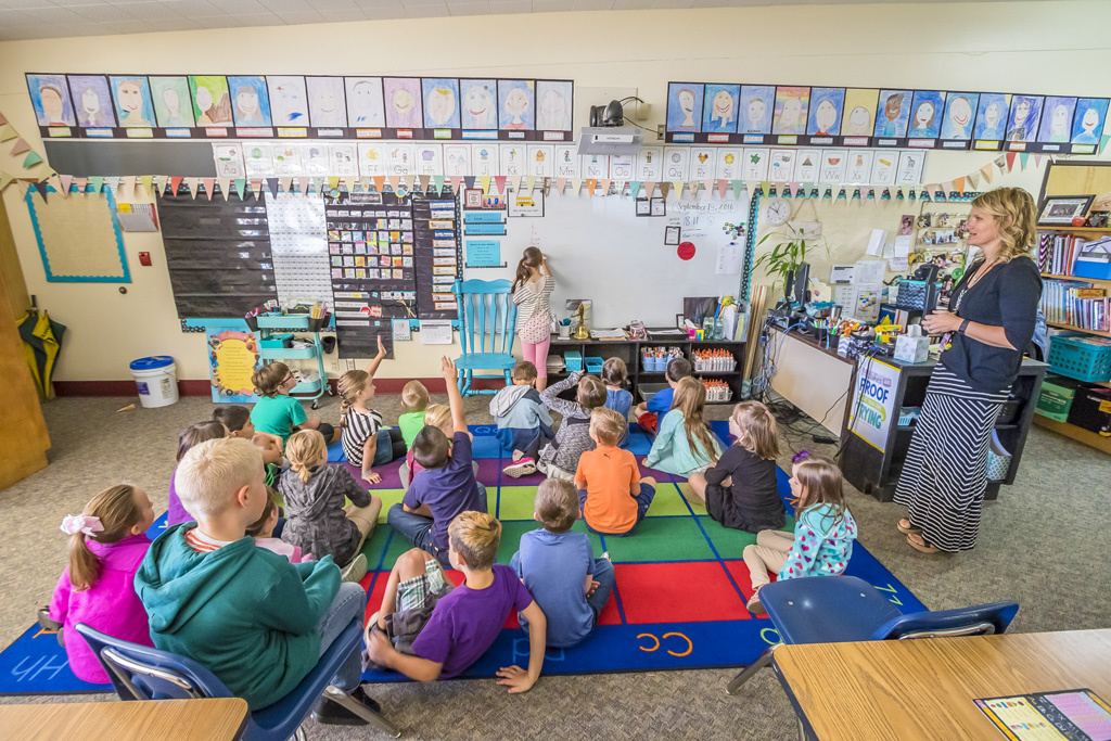 Second graders in Suzanne MacLachlan's class at Glenwood Heights Primary School listen to their lessons for the day. Photo by Mike Schultz