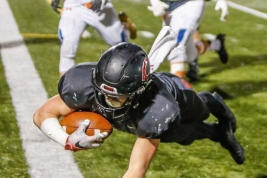 camas-high-school-football-running-back-michael-matthews-touchdown-against-graham-kapowsi