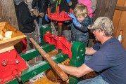 Community members take part in annual Apple Cider Pressing