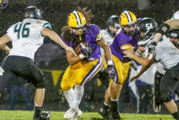 Columbia River moves into GSHL 2A lead with win over Woodland