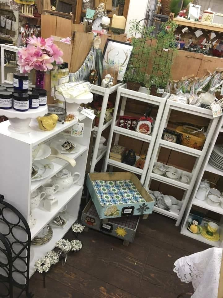 2 Crafty Sisters offers 'everything crafty' for holiday, everyday gifts