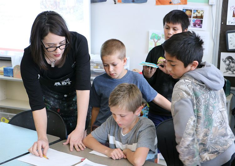 Andrea Johnston, an art teacher at Tukes Valley Primary School in the Battle Ground School District, is shown here teaching a group of 4th grade artists. Johnston was named the Washington Art Education Association's 2017 Elementary Art Educator of  the Year. Photo courtesy of Battle Ground School District