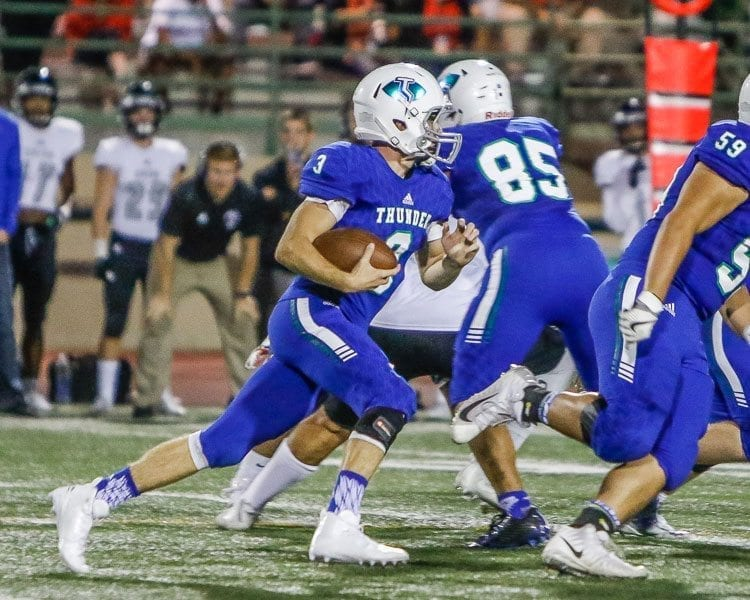 Mountain View quarterback Glen Perry Jr. rushed for 176 yards and three touchdowns against Union Friday. Photo by Mike Schultz