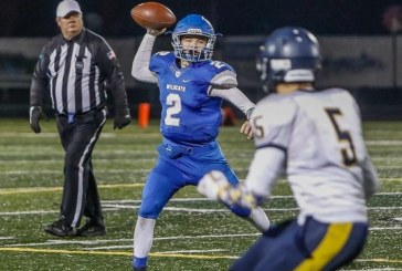 La Center celebrates holiday with more football