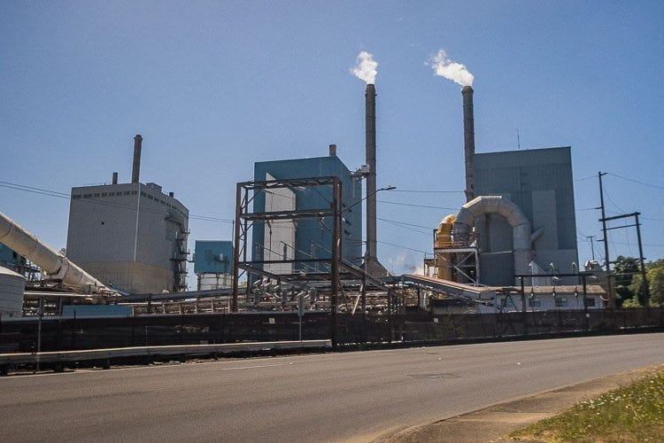Georgia-Pacific announced Tuesday it will cut as many as 300 jobs at its Camas mill in the second quarter of 2018 and permanently shut down local production of paper used in printers and copiers, as well as pulping operations and some related equipment. Photo by Mike Schultz