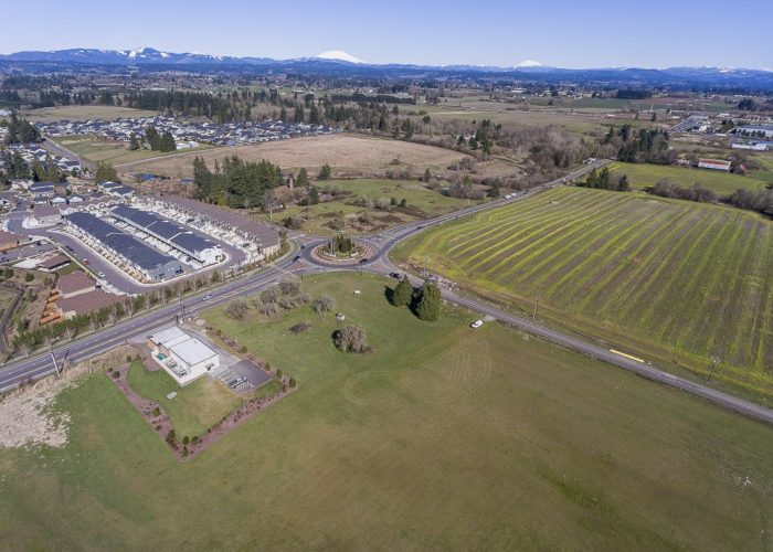 The Discovery Ridge Development site at 45th and Pioneer Place in Ridgefield is the future home of a Rosauers Grocery store, an apartment complex, and other businesses. Photo by Mike Schultz