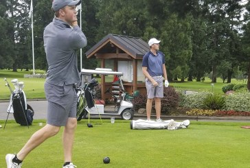 Royal Oaks Invite: Humphreys, Tibbits remain close on and off course