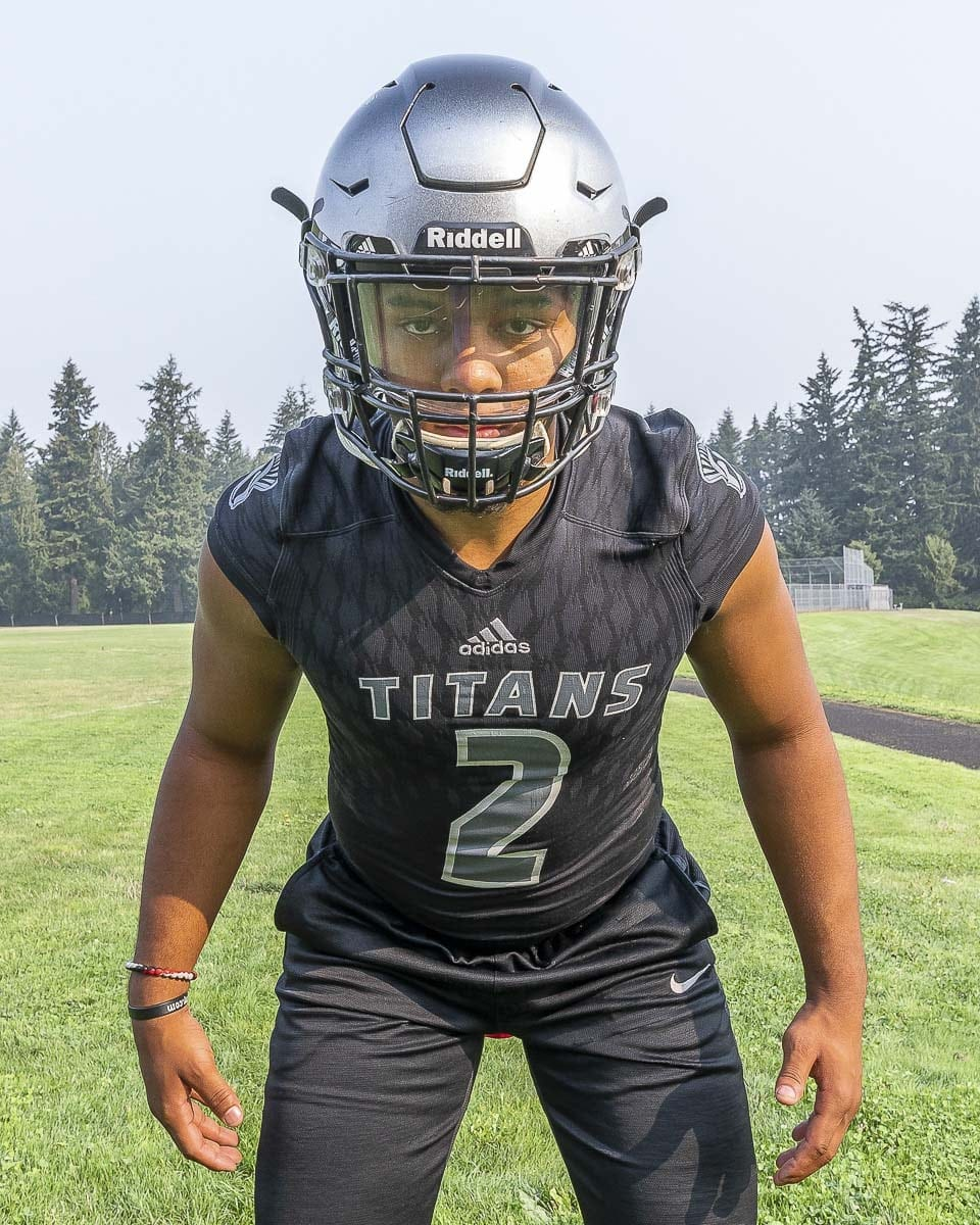 Alishawuan Taylor had four sacks for the Union defense last week. This week, Union takes on Puyallup in a game that will feature two top-five ranked teams in the state. Photo by Mike Schultz