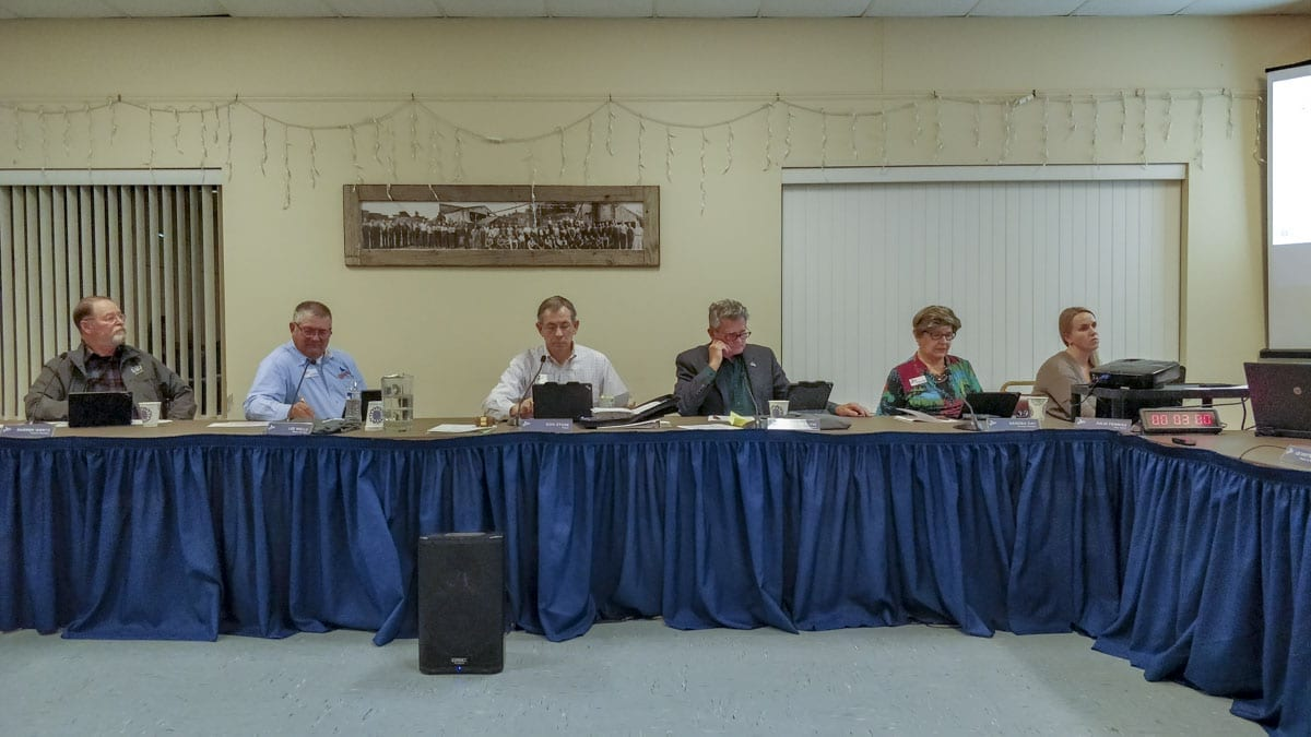 Ridgefield City Council members vote on a new city budget for 2019. Photo by Chris Brown
