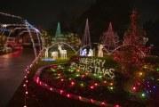 Camas coach loves to share his Christmas magic
