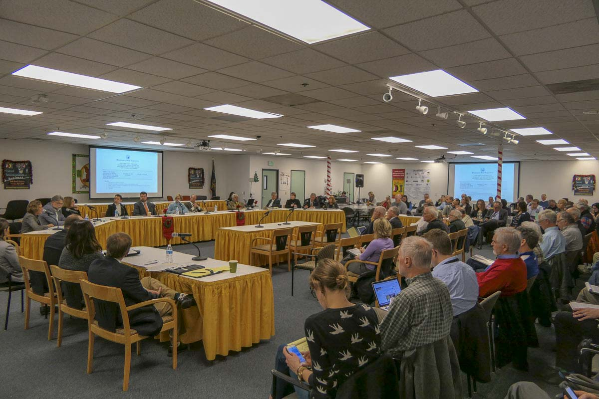 Lawmakers from Oregon and Washington gathered this week to talk about possibly moving towards a new I-5 Bridge replacement project. Photo by Chris Brown