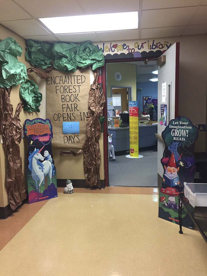 The entrance to Union Ridge Elementary's Book Fair is enchanting. Photo courtesy of Ridgefield Public Schools