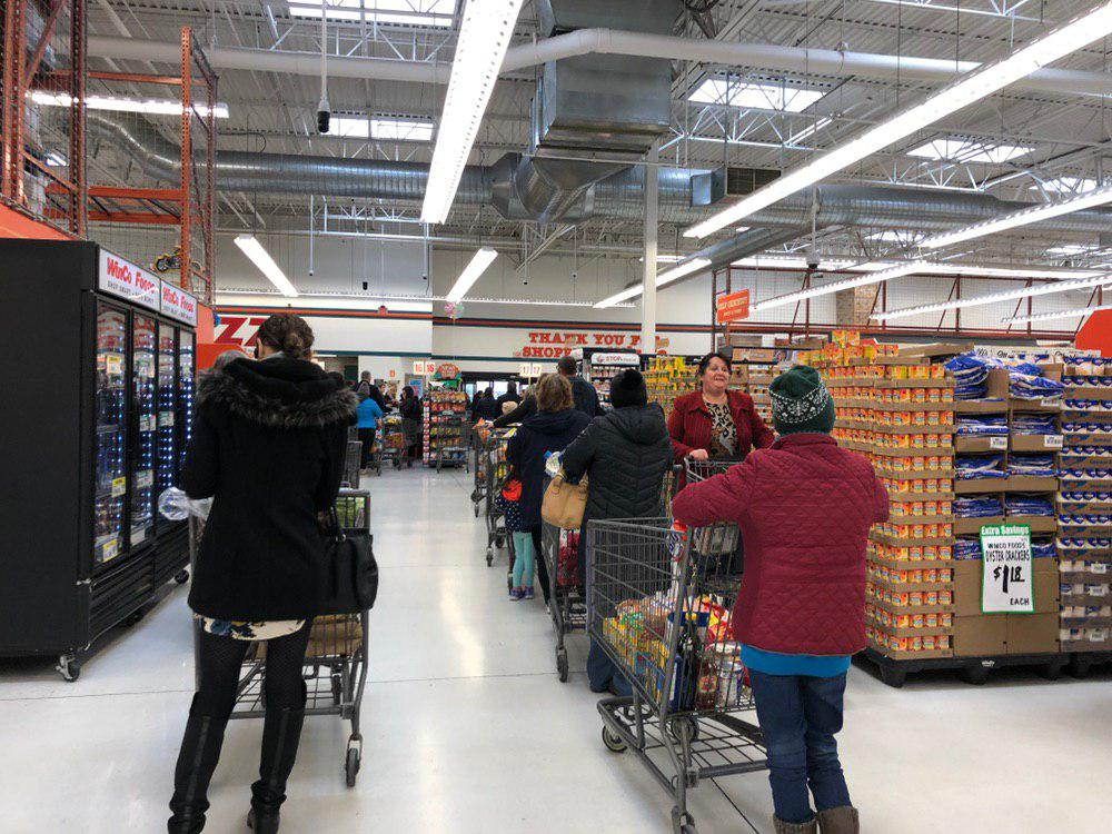 Long lines greeted shoppers at Winco in Vancouver as people hurried to stock up ahead of a Winter storm. Photo by Jacob Granneman