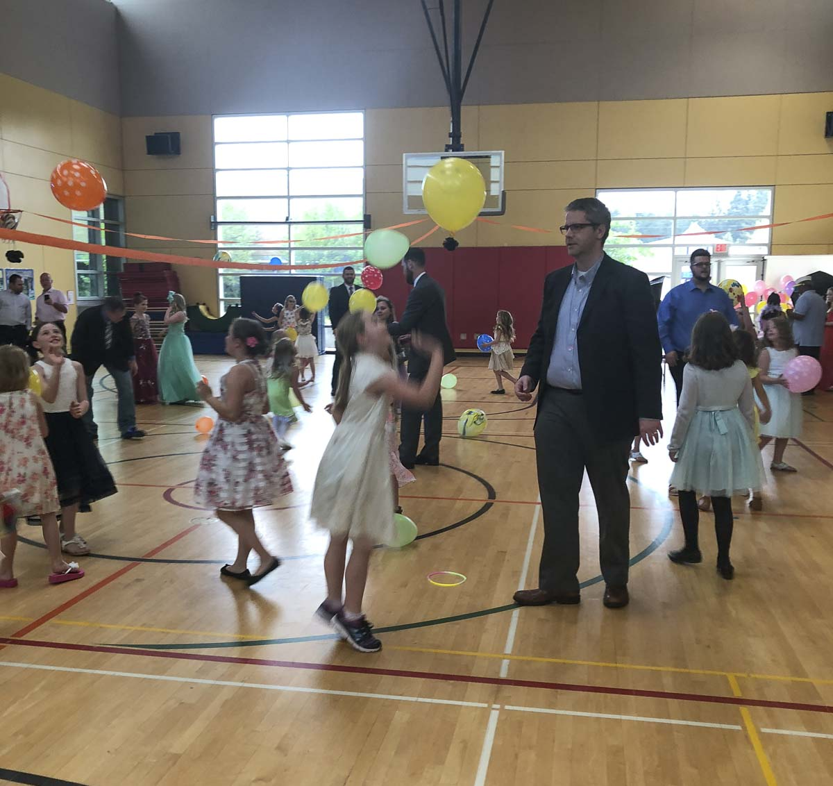 The Camas–Washougal Community Chest invites them to enjoy an evening out with their daughter(s) for dancing, sweets, soft drinks, memorable photos and a friendly daddy dance-off contest. Photo courtesy of Camas-Washougal Community Chest