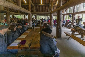 Easter 2019: Area residents rise early for annual worship service in Battle Ground