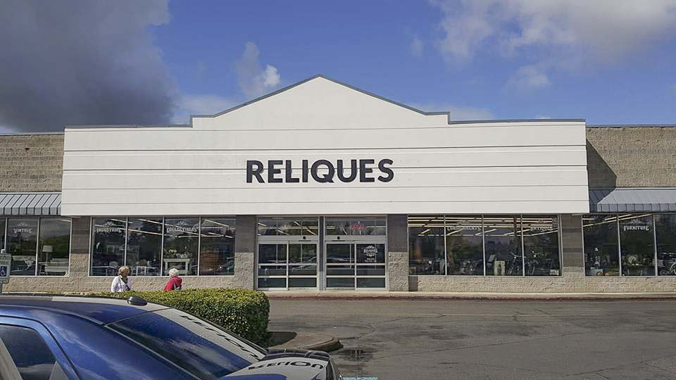 With 22,000-plus square feet of floor space and over 100 dealers, Reliques Marketplace offers a lot of treasure hunting for area residents. Photo courtesy of Reliques Marketplace