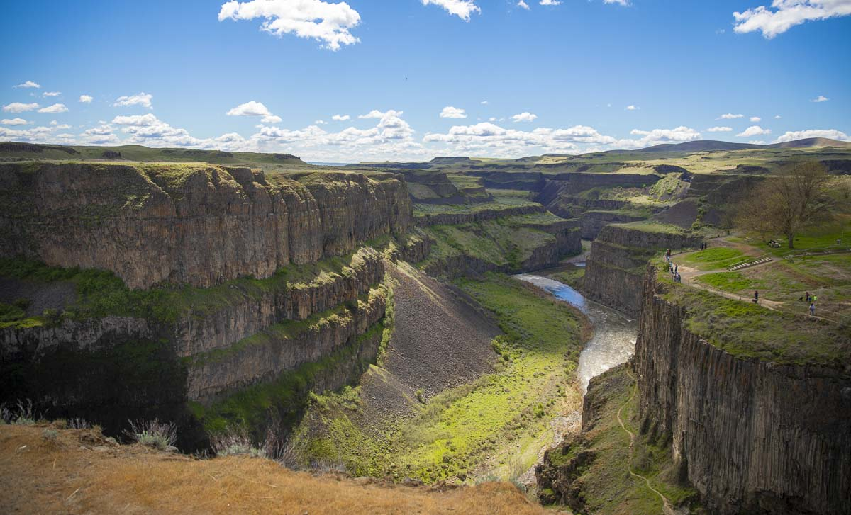 The Palouse River canyon below the falls, looking south. Not many miles downstream from Palouse Falls, the river joins the Snake River, which later joins the Columbia. Photo by Jacob Granneman