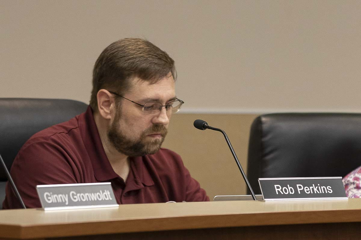 Evergreen school board member Rob Perkins speaks about recent allegations over student complaints during a board meeting. Photo by Mike Schultz