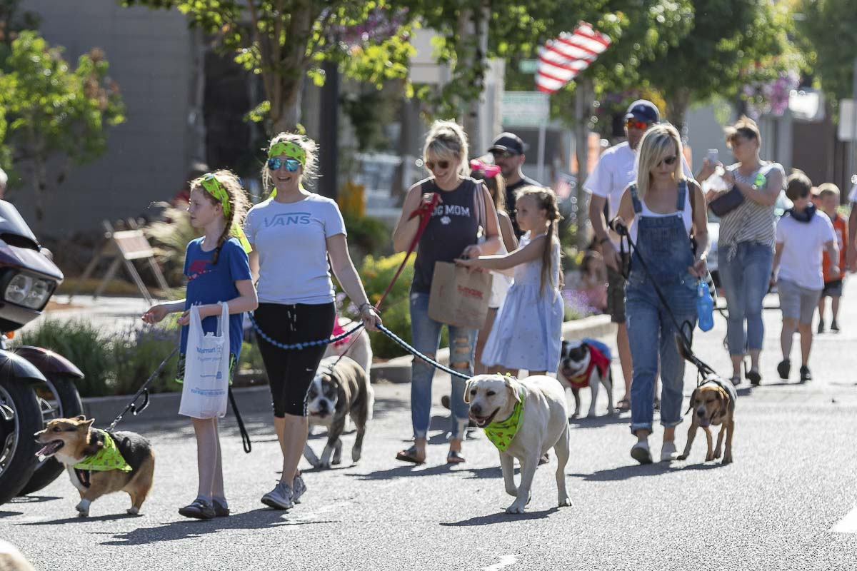 Newly appointed Planters Days President Jennifer Wray-Keene introduced this year's new Pet Parade, which supports the Cowlitz County Humane Society. Photo by Mike Schultz