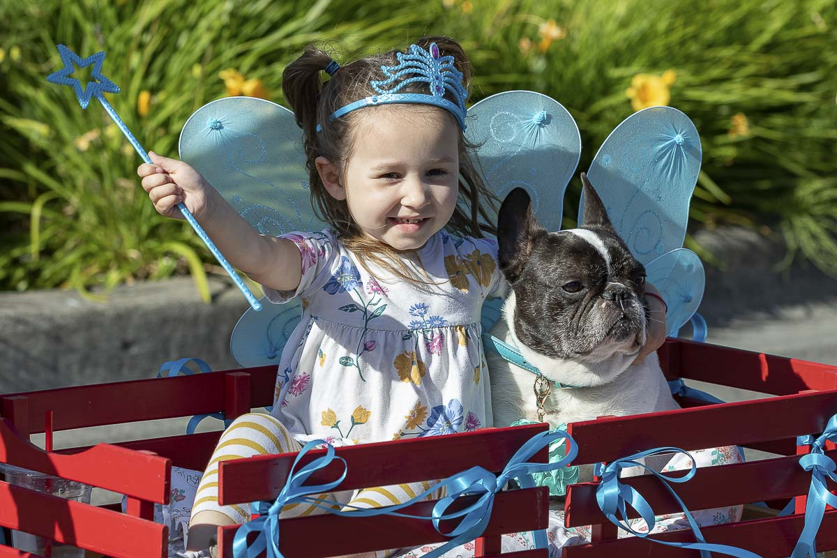 A new edition to the annual Planters Days celebration this year was the Pet Parade. Here, participant Layla Lewellen shows off her dog Isabel. Photo by Mike Schultz