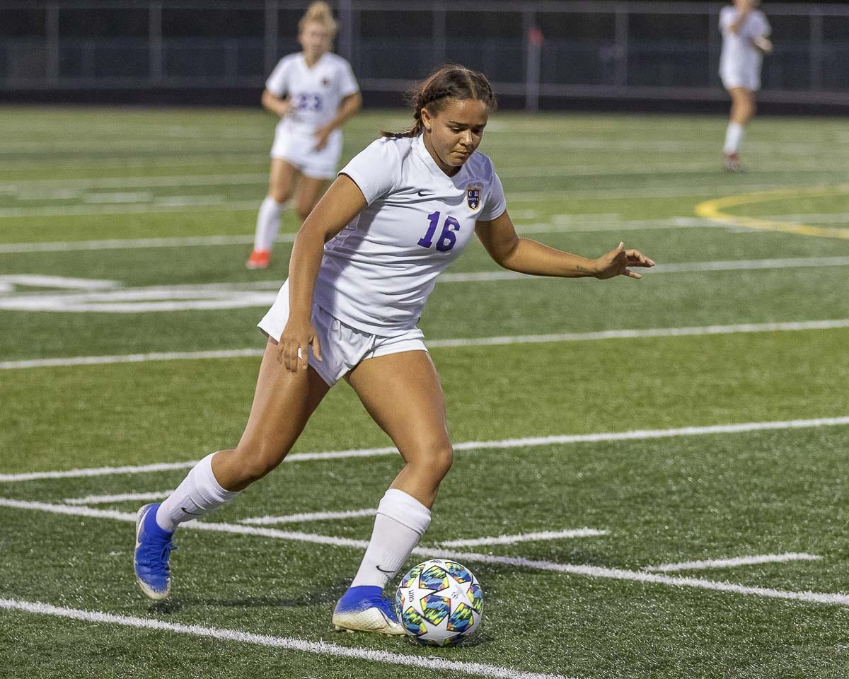 Shalece Easley said that last year, the team found a way to improve after every loss. That perseverance led the Chieftains back to the state's final four. Photo by Mike Schultz