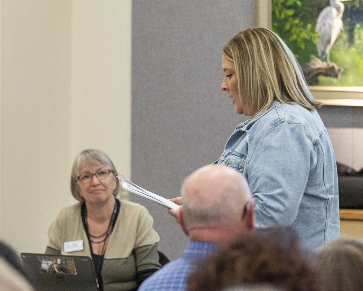 Battle Ground City Council candidate Shauna Walters speaks out against Drag Queen Story Hour at a Fort Vancouver Regional Library Board of Trustees meeting. Photo by Mike Schultz