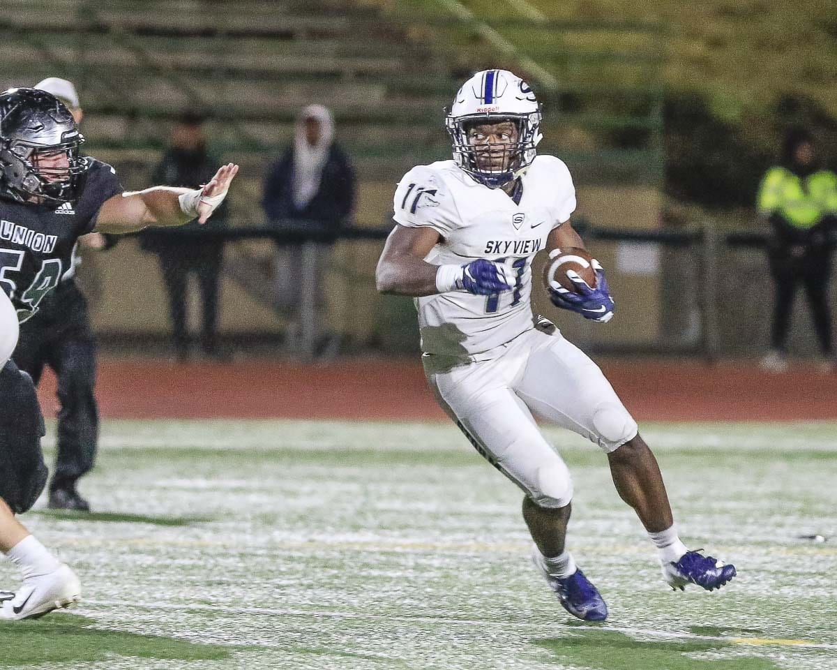 Jalynnee McGee scored two touchdowns and had 179 yards of offense Friday night, helping Skyview to a 30-3 win over Union. Photo by Mike Schultz