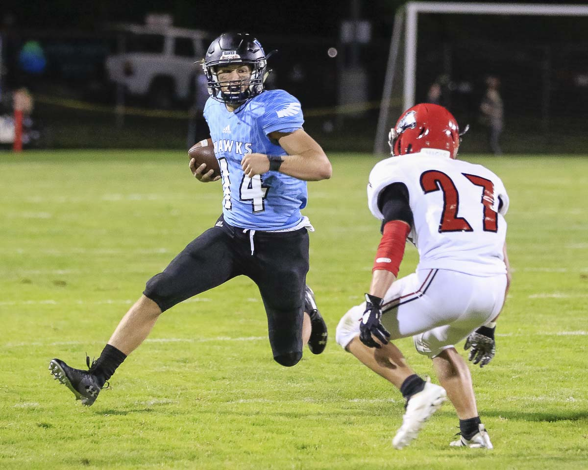 Hockinson quarterback Levi Crum, shown here earlier this season, and his teammates get to play in Week 7 after all. Previously a bye on the schedule, Hockinson will travel to Kelso on Friday. Photo by Mike Schultz