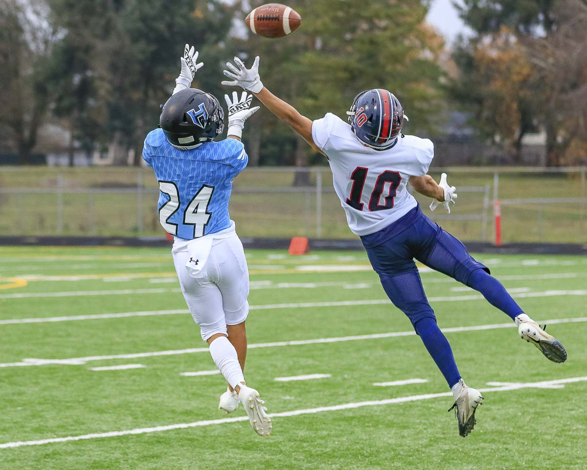 Makaio Jaurez stepped into a shining role for the Hockinson Hawks this season and has eight touchdown receptions. Photo by Mike Schultz
