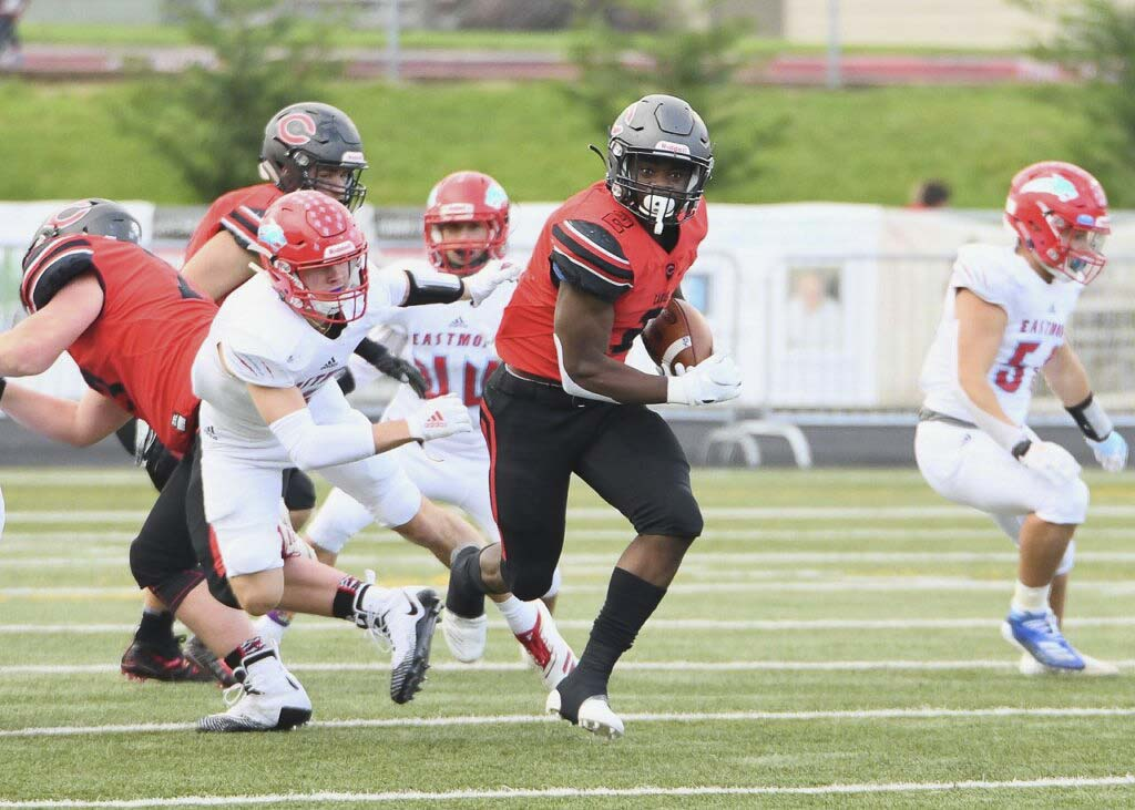 Jacques Badolato-Birdsell had 155 yards from scrimmage and three touchdowns for the Camas Papermakers. Photo courtesy of Kris Cavin