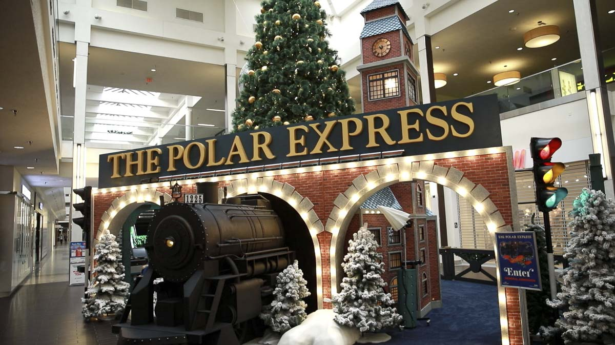 "The Vancouver Mall's new, interactive ""Polar Express"" exhibit is on display now, complete with elves and Santa. Photo by Jacob Granneman"