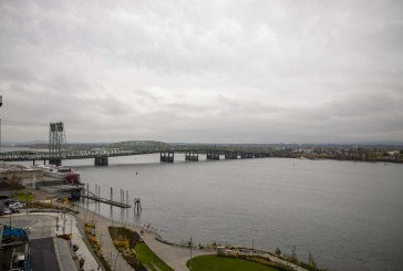 Governors of Oregon and Washington sign agreement over Interstate 5 Bridge replacement