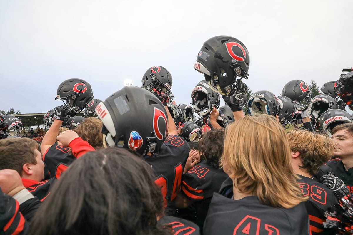 Camas Papermakers look to complete an undefeated season when they take on the Bothell Cougars in the 4A state title game Saturday.