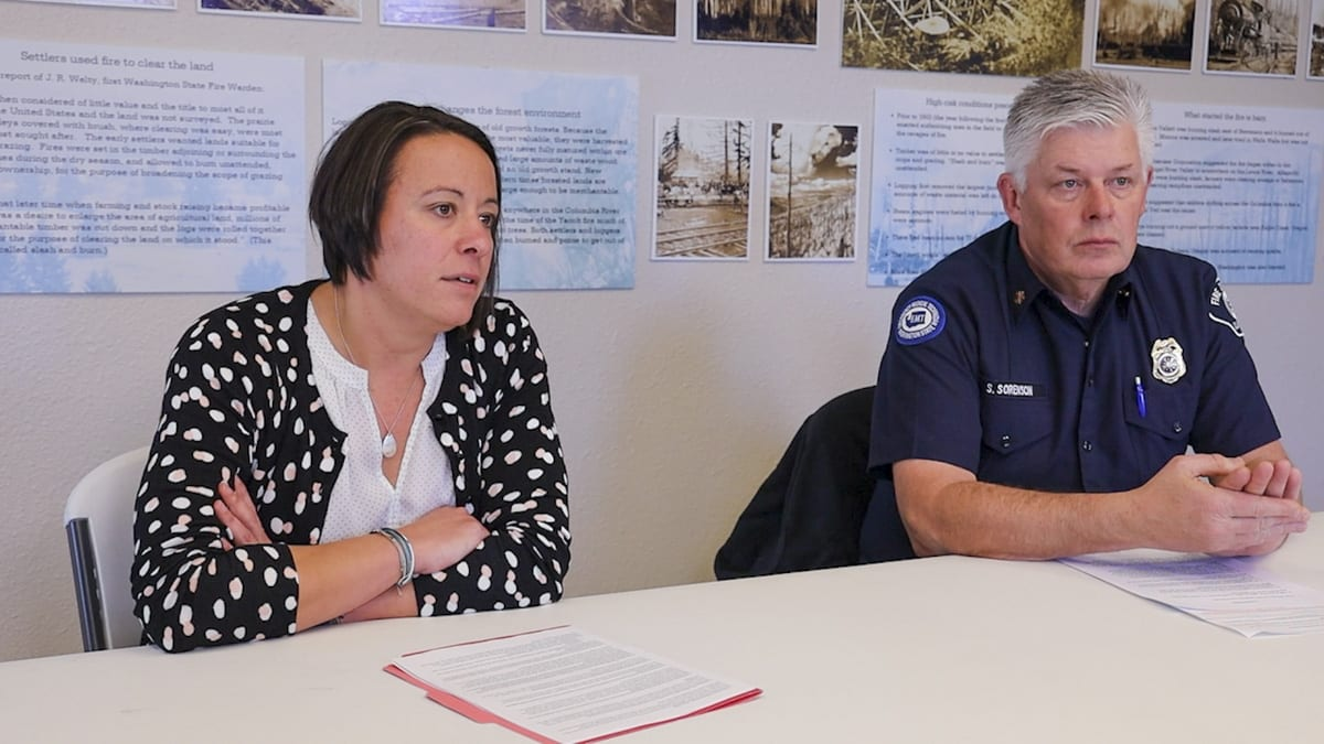 Battle Ground City Manager Erin Erdman and Fire District 3 Chief Scott Sorenson answer questions about annexation. Photo by Chris Brown