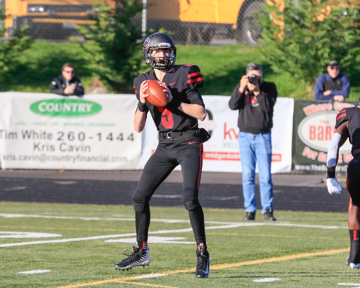 Since becoming the starting quarterback, Blake Asciutto has thrown 10 touchdown passes in five games for the Camas Papermakers. Photo by Mike Schultz