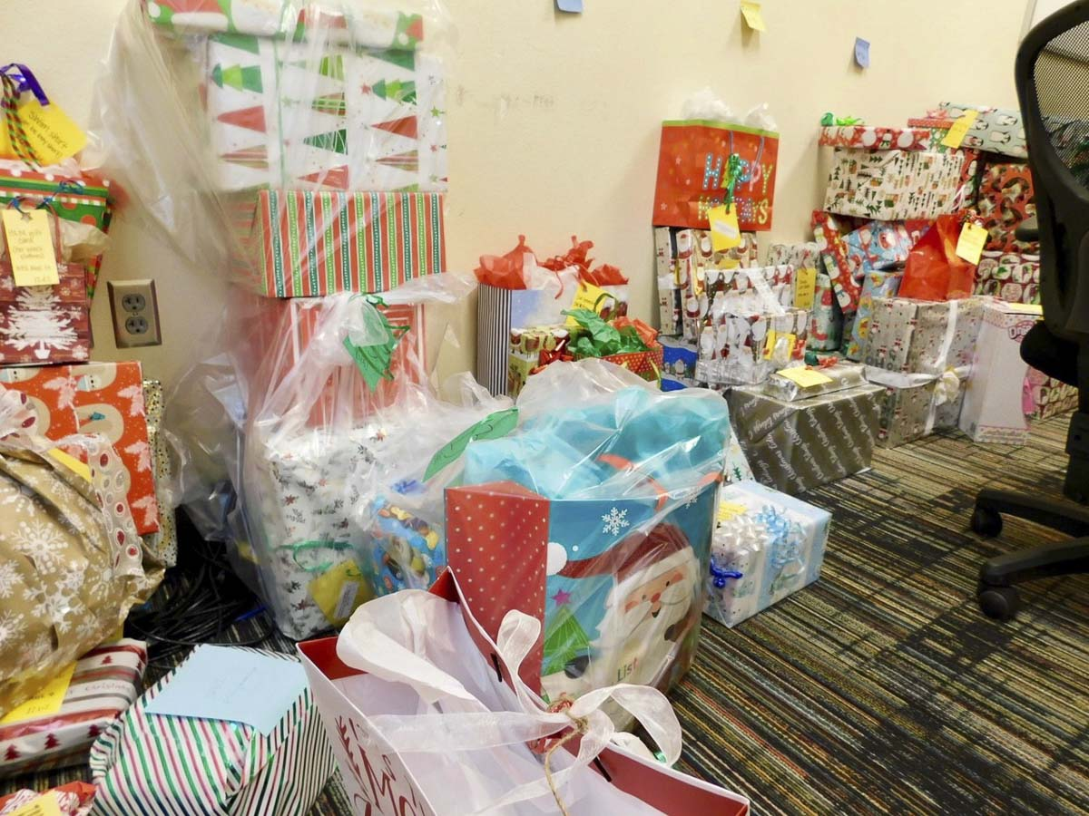 At Union Ridge Elementary School in Ridgefield, 377 gifts were collected in their Giving Tree program and donated to families in need. Photo courtesy of Ridgefield Public Schools