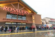 VIDEO: Rain doesn't dampen grand opening of Rosauers in Ridgefield
