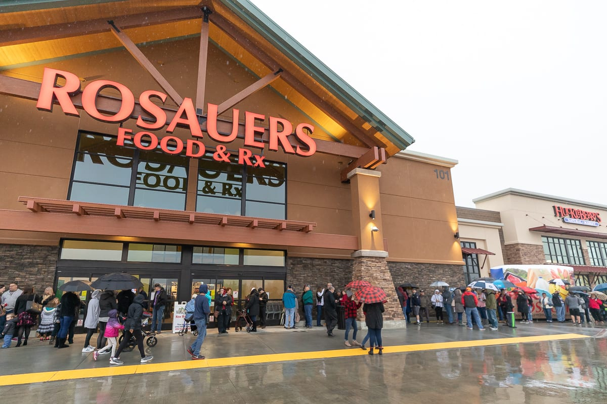 Hundreds of area residents lined up Saturday morning to be among the first to shop at the new Rosauers Supermarket in Ridgefield. Photo by Mike Schultz