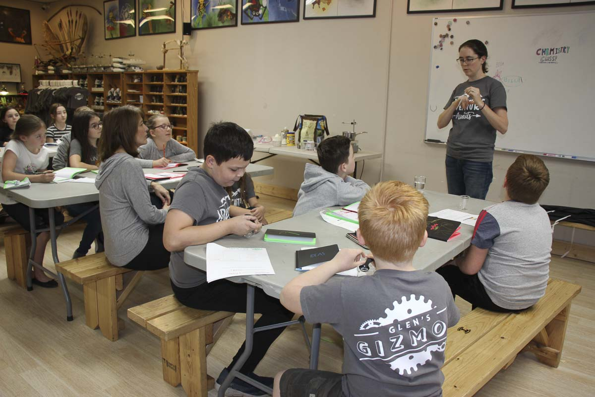 Students of various ages work together on projects and in classes at Glen's Gizmos at their Homeschool HUB facility. Photo courtesy of Glen's Gizmos