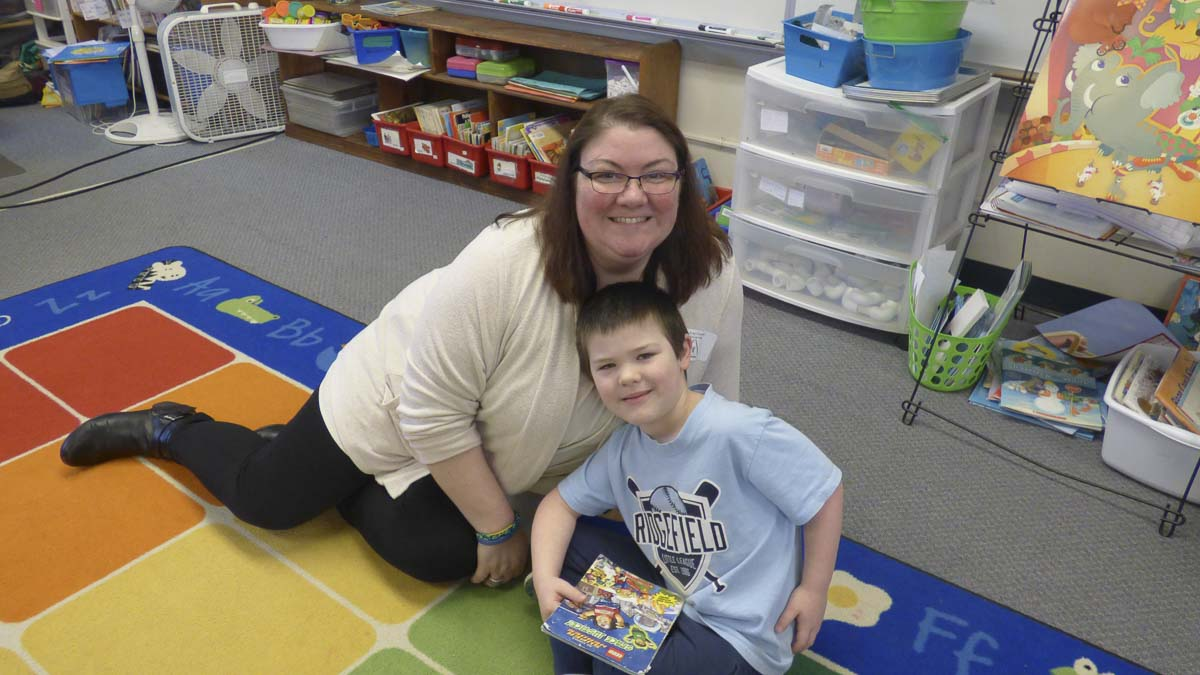 Dresden Wachsnicht and his mom, Amy, in Jessica Verpoorten's kindergarten class at Union Ridge Elementary. Photo courtesy of Ridgefield Public Schools