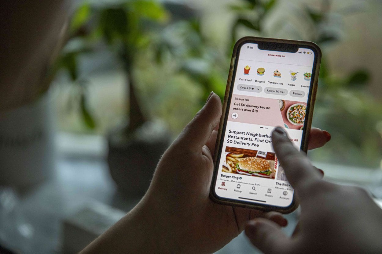 DoorDash is an app-based service that allows users to order delivery from nearly any restaurant in their vicinity for little to no additional cost. Photo by Jacob Granneman