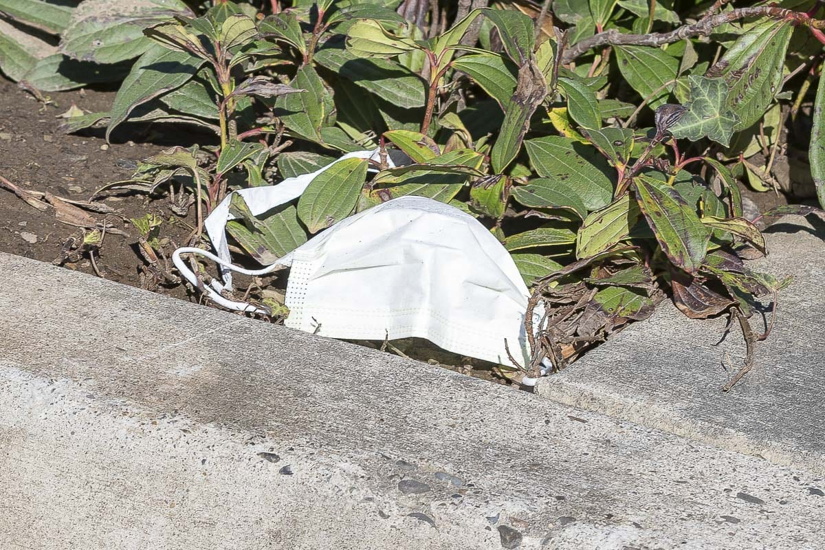 A discarded mask outside Legacy Salmon Creek Medical Center. Photo by Mike Schultz