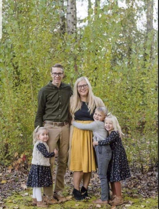 A Facebook photo shows 31-year-old Rosa Wilson with her husband Brian, and their three children, Elliott, Juniper, and Iona. Photo courtesy Wilson Family