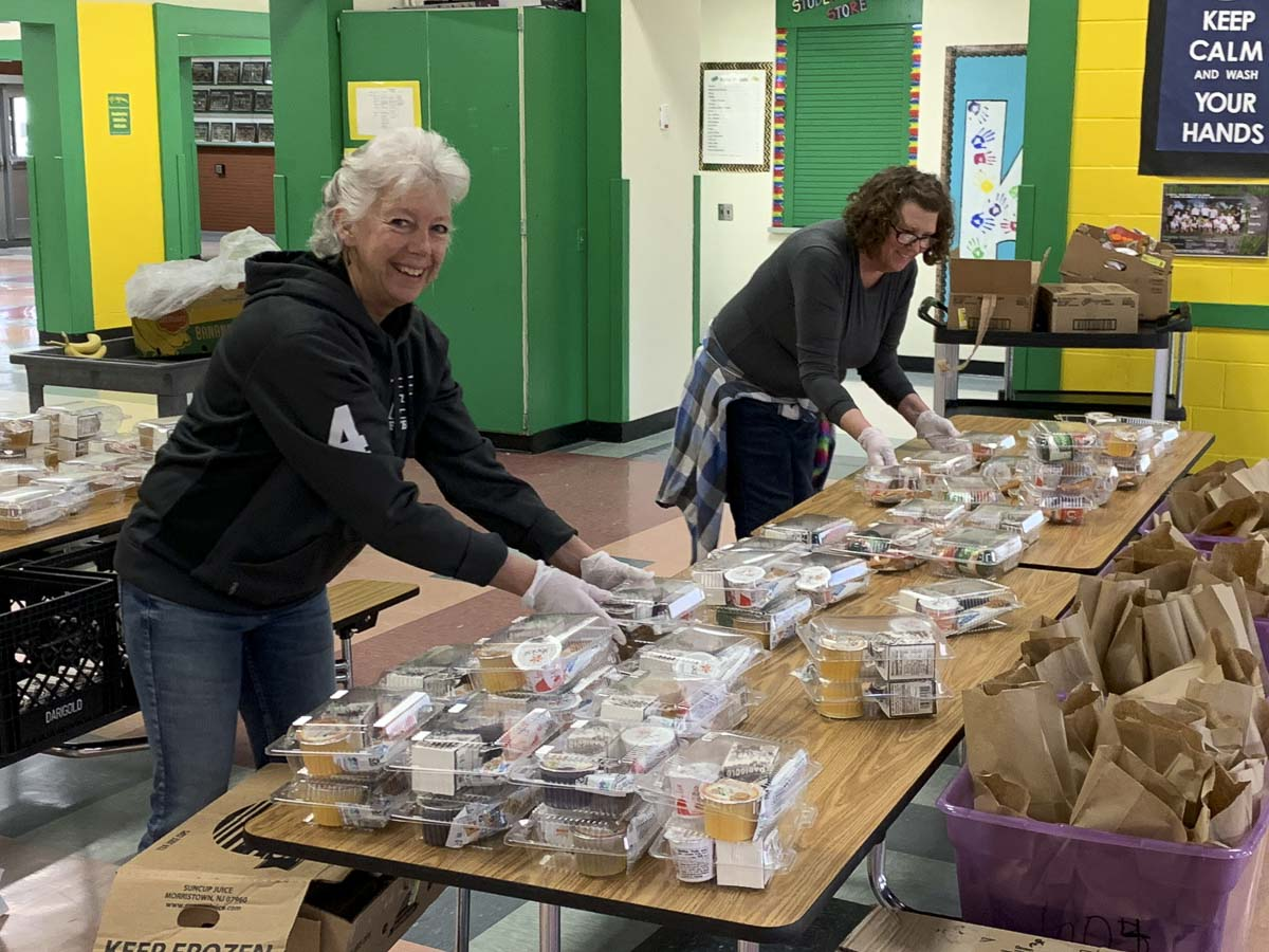 Woodland Public Schools, packed and delivered, 800 bags, breakfast and lunch, Woodland School District, COVID-19, school closure